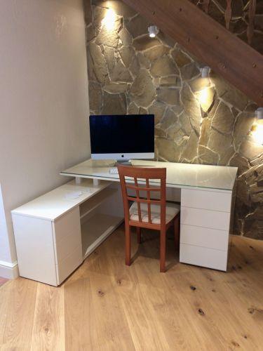Рабочая зона (кабинет) в современном стиле