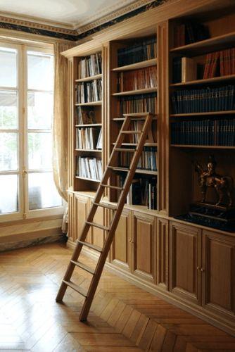 Книжный шкаф из массива 2
