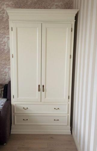 Корпусный шкаф из МДФ  для одежды в спальне с ящиками