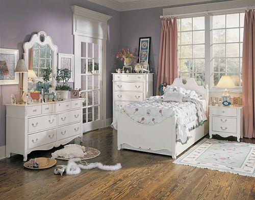 Мебель в детскую из массива для девочки