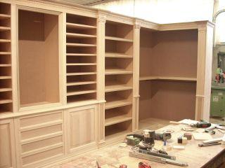 Процесс изготовления гардеробной комнаты