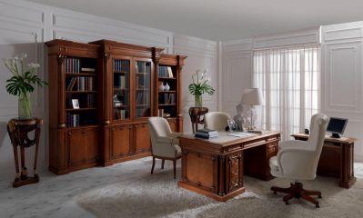 Мебель для кабинета из массива дерева в классическом стиле