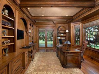 Традиционный кабинет из массива дуба