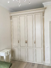 Распашной шкаф 2