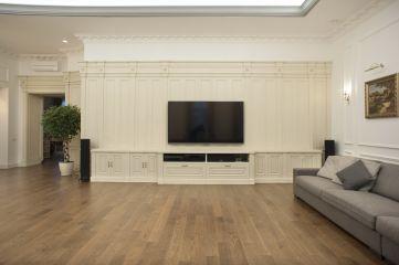 Белые стеновые панели в гостиную