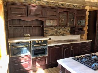 Кухонный гарнитур из массива 1