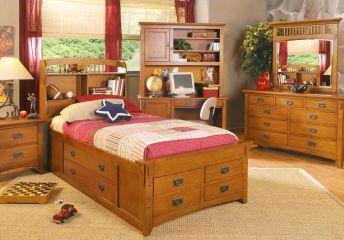 Мебель для детской из массива ольхи