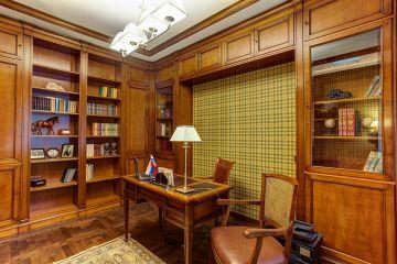 Мебель для кабинета из массива дерева с аркой