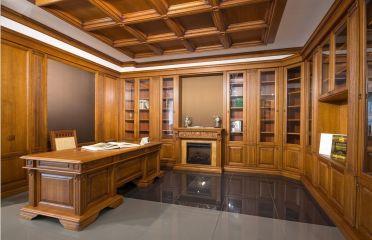 Мебель для кабинета из светлого массива дерева